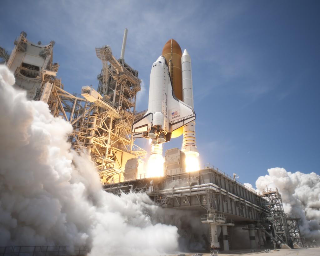 Avaruussukkuloiden tekniikalla päästään maata kiertävälle radalle ja vaikka Kuuhunkin, mutta tähtien välisiin matkoihin rakettimoottorit ovat täysin riittämättömiä.